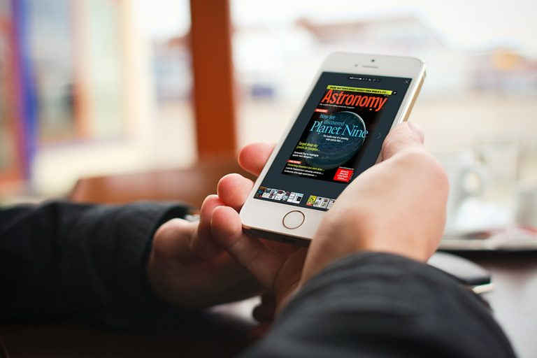 PDF to Flipbook sul smartphone con un effetto di capovolgimento di pagina